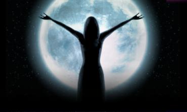Donne che Danzano con la Luna